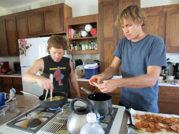 Billy and Taylor cook