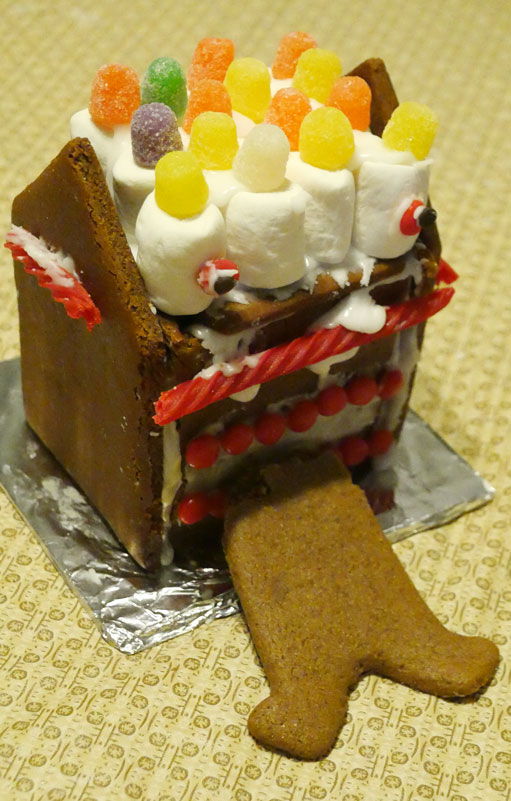 Ramon's vegan gingerbread house