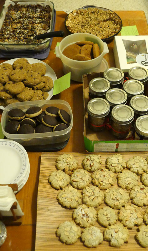 vegan cookie swap table