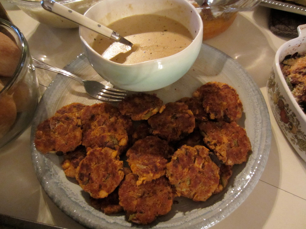 chickpea cutlets with cream gravy