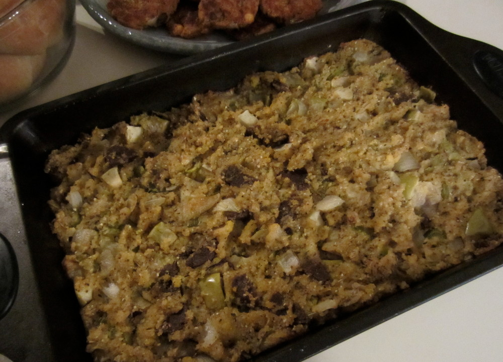 cornbread dressing with vegan sausage