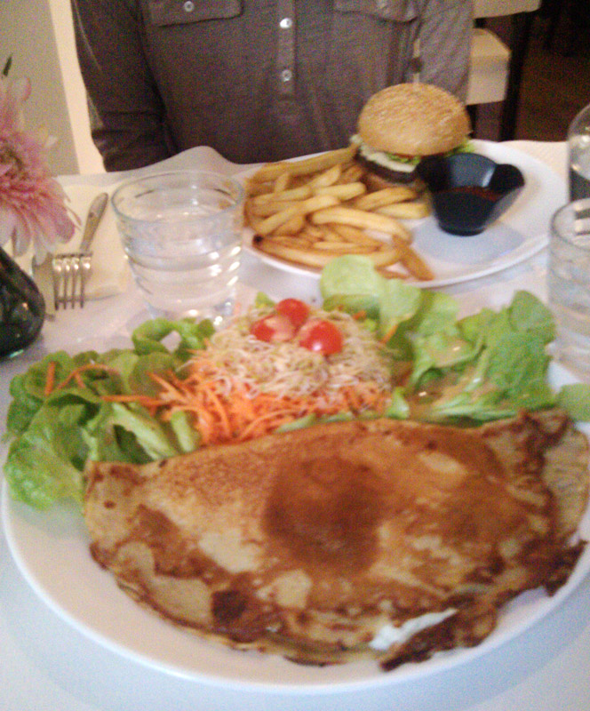 Loving Hut Paris crepe