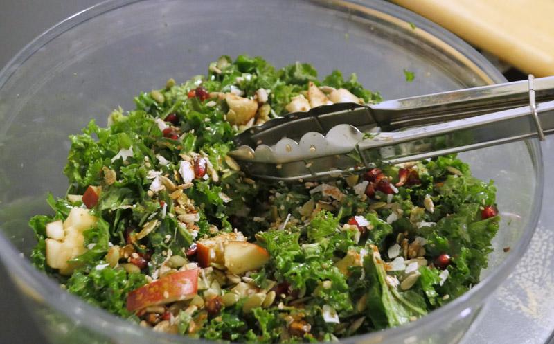 kale pomegranate seed salad