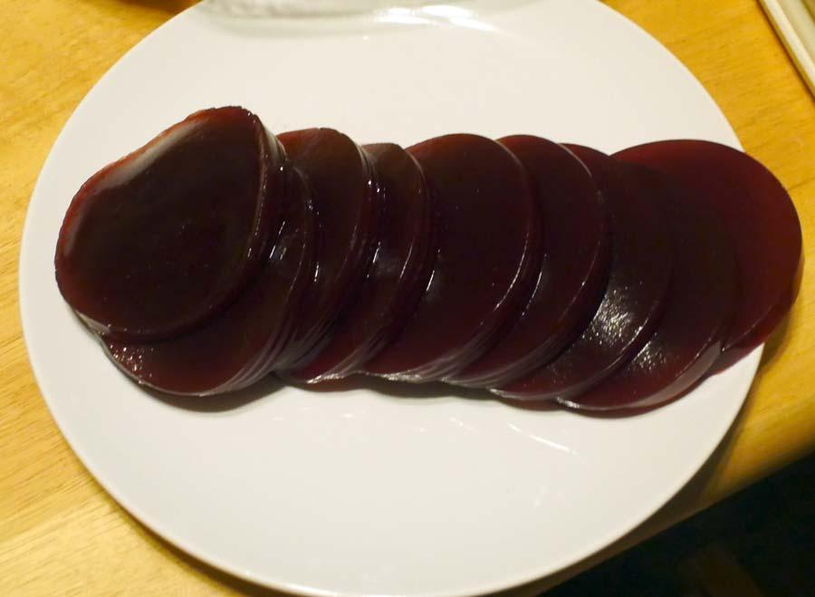 sliced cranberry sauce