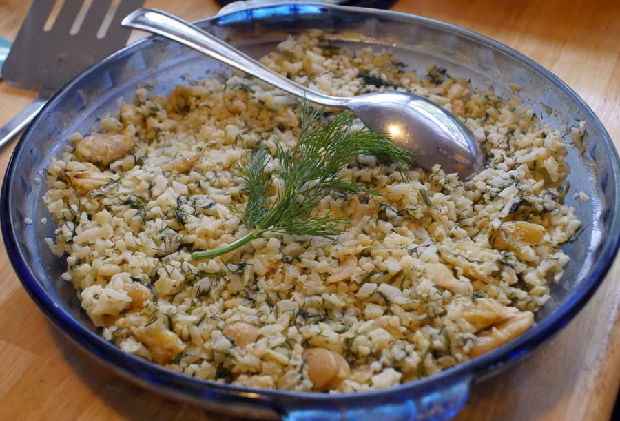 riced cauliflower with dill and beans