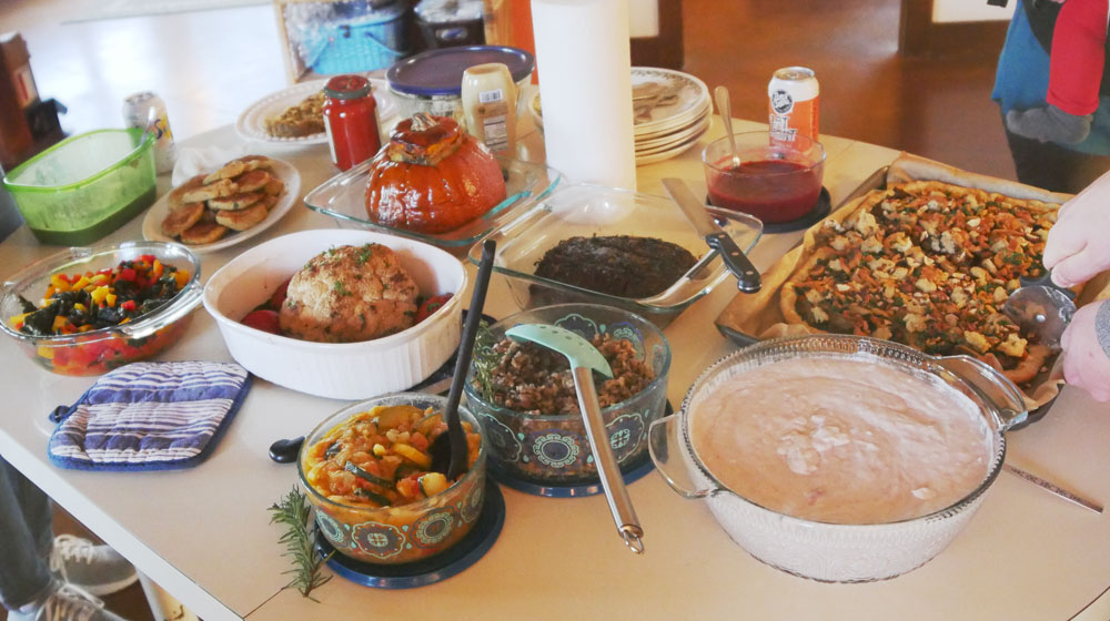 vegan Thanksgiving table