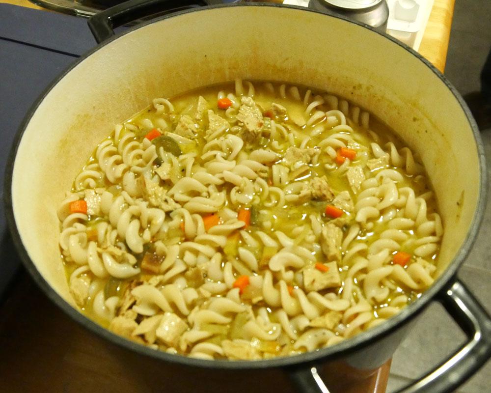 vegan chik'n noodle soup