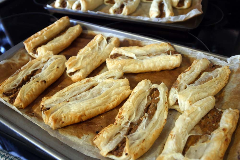 vegan sausage rolls