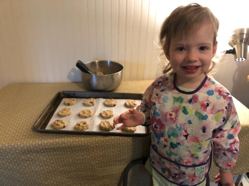 Neva with vegan banana raisin oatmeal cookies