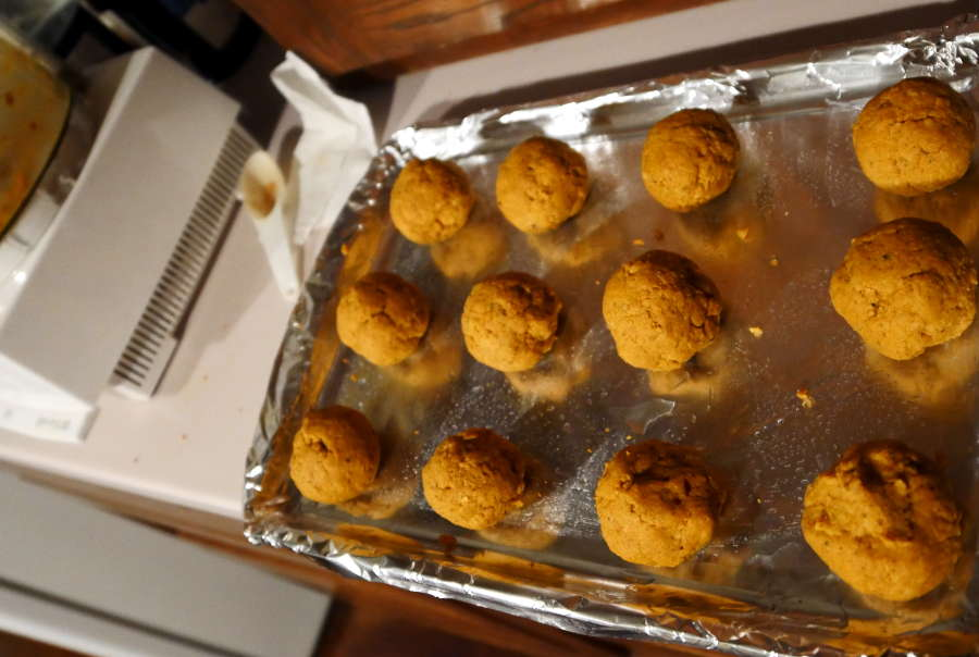 raw meatless meatballs