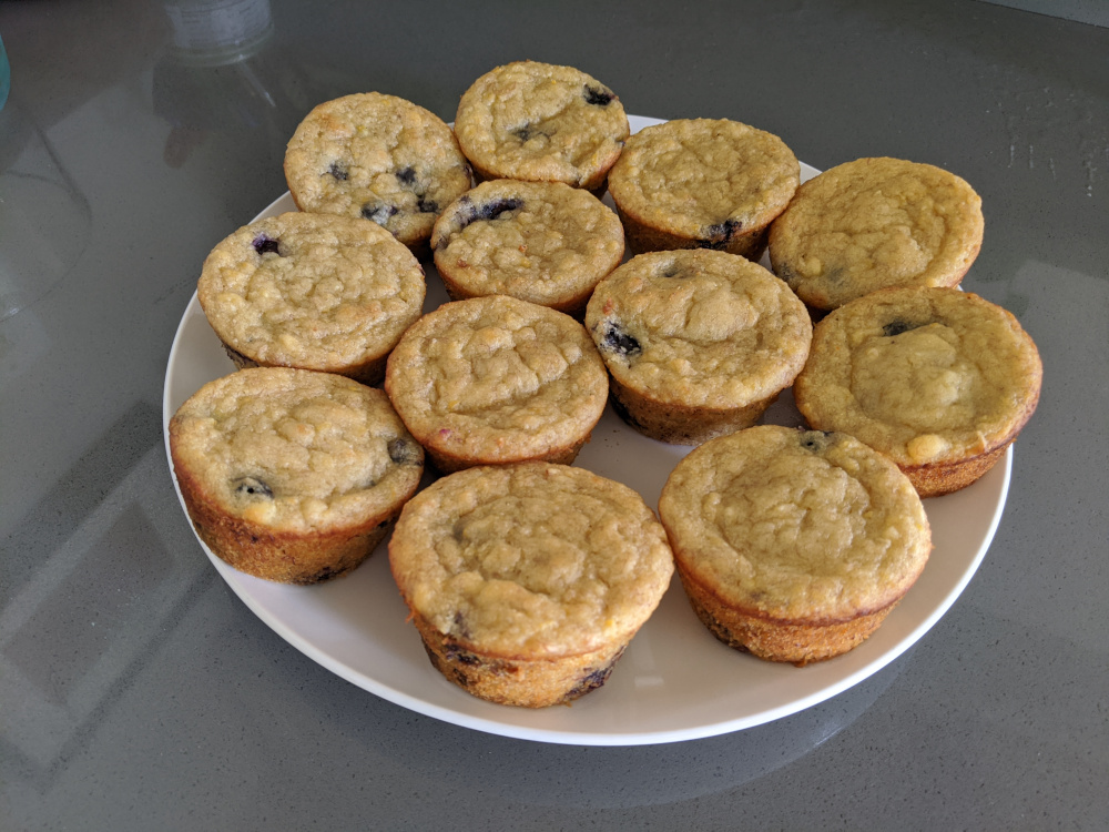 pale vegan blueberry-lemon banana muffins