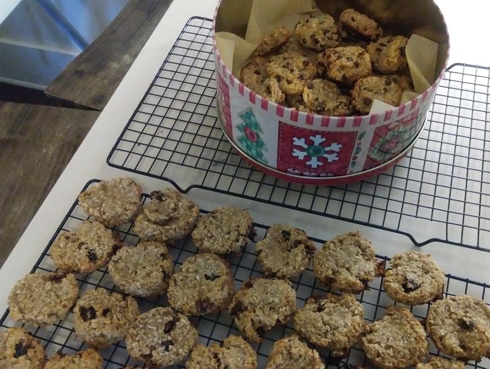 vegan banana peanut butter coconut cookies